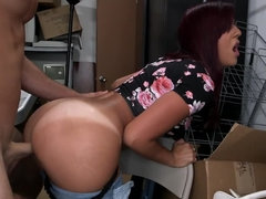Curvy porn MILF named Sophia Steele needs some mean fucking