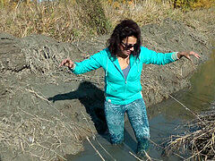 Blue stretch pants pants raw and Mud Brunette Girl