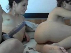 Lesbian Couple Fucks Bum With Strap On - Webcam