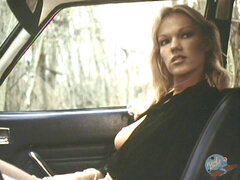 gorgeous ash-blonde boinks him in his car