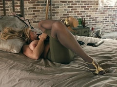 Kelly Madison: Big Titty Sniper