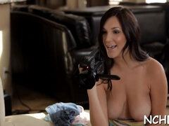Gorgeous dark-haired holly michaels inspects lever