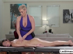 Ryan Keely satisfy her Stepdaughter Emily Willis pussy