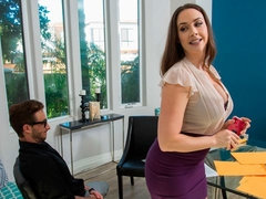 Beauty with big tits Chanel Preston enjoys intensive cock riding