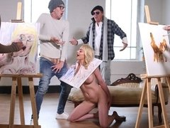 Lustful blonde Elizabeth Romanova fucks with a crazy painter