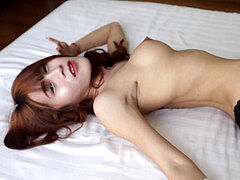 HELLOLADYBOY Naive Thai t-girl tries Her first-ever Foreign Cock