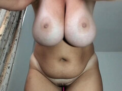 webcam show with curvy BBW - fat ass and saggy tits