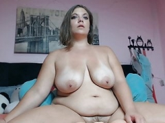 Cam Gals - Chubby Sexually available mom lazy fucks a dildo