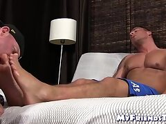 Incredible feet licking session with two very muscular hunks