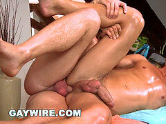 GAYWIRE - Jose Manuel and Jason Nicos love A Sensual rubdown Session On touch Him