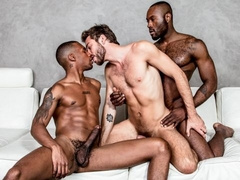 Noah Donovan fucks his stepbrother Jacen Zhu and his BF Max Adonis