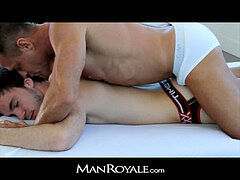 ManRoyale - Bodybuilder's massage makes youngster spunk