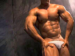 BodybuilderMuscleSolo49