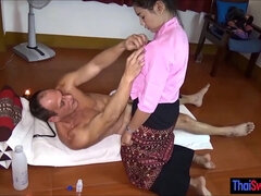 Sex tourist VIP Thai massage with a hot nasty finisher