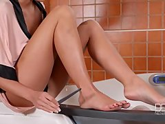 Gorgeous leggy Patty Michova gives an incredible Footjob