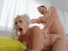 Bombshell Indica Monroe cums on a thick rod