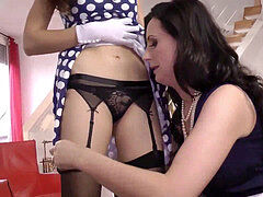 Mature british spanks honey