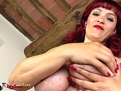 red-haired footjob wearing 5 toes pantyhose