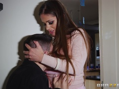 Milfs Like it Big (Brazzers): 7 Minutes in Mrs. Heaven