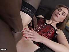 Milf anal sex with black guy screaming in pleasure BBC