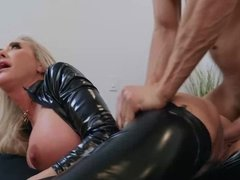 Stepson wildly attracted to his pristine stepmother Brandi Love