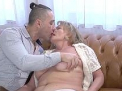 Lusty gilf spunked over