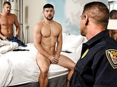 Fucked-up 3soem with Darin Silvers and cops Draven Navarro, Connor Halstead