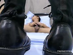 Twink Robin Foot Fetish Jerk Off