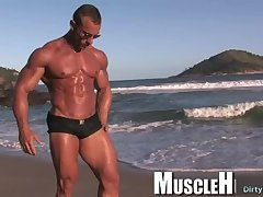 Big dick bodybuilder outdoor and cumshot
