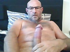 HAIRY DAD BIG THICK UNCUT BEAUTIFUL COCK HUGE CUM